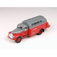 CLASSIC METAL WORKS HO Scale '41/46 Chevrolet Tank Truck - Standard Oil 30336