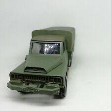 militaire kaki camion ACMAT VLRA avec canon 20 mm anti-aérien SOLIDO