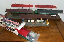 LOT SIX (6) LIONEL STATION PLATFORMS - 2256