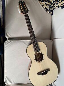 Pono MD20 Octave Mandolin/Baritone Ukulele 8 (steel) String with hard case