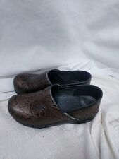 Womens Dansko Professional Brown Tooled Leather Clogs Sz 38