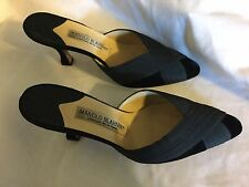 Manolo Blahnik Black Velvet And Satin Pumps Size 37 Size 7 US