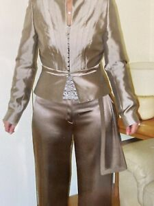 Harvey Nichols Amanda Wakeley ladies silk trouser suit (cost £1000) and free top