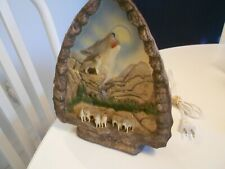 """wolves 3-d electric mountain design light figurine vg+ condition 9 1/2"""" x 7 1/2"""
