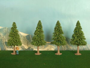 Alberi di abete per modellismo 4 pz. H. cm. 8,5 HO 1/87 - Krea