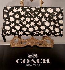 NWT COACH BLACK & WHITE GRAPHIC FLORAL Accordion Zip Around Slim Wallet 57818