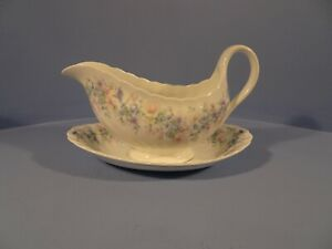WEDGWOOD ANGELA PATTERN, GRAVY/SAUCE BOAT AND STAND