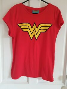 Ladies Size 12 Wonder Woman T-shirt