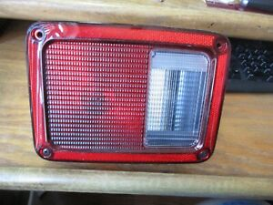 New Replacement Eagle Eyes CS337-B000L Driver Tail Light For 07-10 Jeep Wrangler