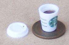 Escala 1:12 de café negro en una taza de cerámica con un motivo de cereza tumdee Casa De Muñecas
