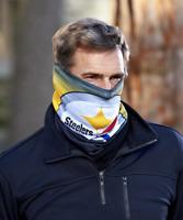 NFL Fleece Lined Warm Face Scarf Pittsburgh Steelers Football Team Fan Gift