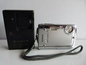 Olympus u720SW Digital Camera Shock & Waterproof 7.1MP With Charger