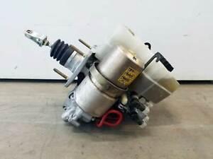 2001-2002 Toyota 4Runner ABS Anti-Lock Brake Pump Master Cylinder Booster