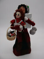 Byers Choice 1996 The Carolers Lady with Raggedy Ann Basket Presents