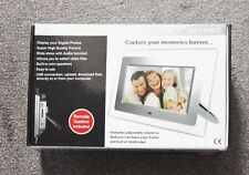 "Digital photo frame with 7"" screen with remote UT0705S"
