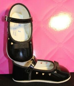 Vintage - Unbranded  Girls Baby Shoe  Black Patent Flat w/ Strap Size 2