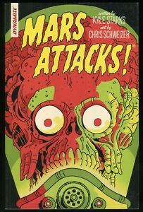 Mars Attacks Trade Paperback TPB Dynamite Alien Martian Invasion Kyle Starks 1st