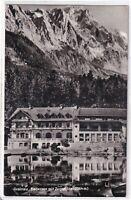 Ansichtskarte Grainau - Blick auf den Badersee mit Zugspitze und Gasthaus - s/w