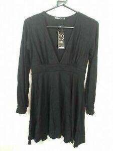Boohoo Petite Black Long Sleeve Plunge Skater Dress size 10