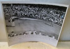 1954 PRESS PHOTO OF BEN HOGAN MISSING PUTT AT THE 18TH TO WIN 1954 MASTERS