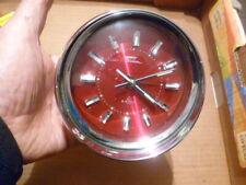 FASHION ( Japan ): Reveil mécanique boule chromé sur fond rouge 128 mm diamètre