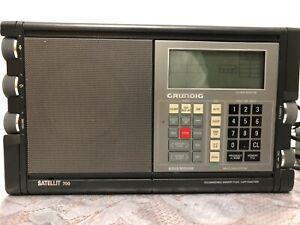Grundig Satellit 700 Weltempfänger Reise Radio Tragbar Kofferradio Vintage 80er
