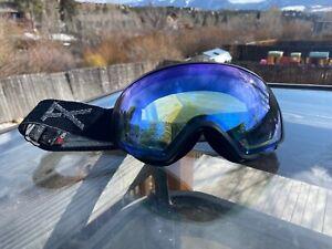 USED Anon WM1 Burton Snow Goggles Black  with blue low light lens