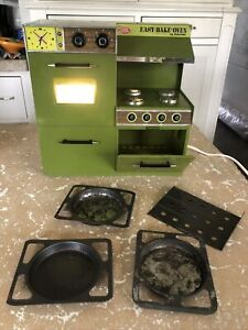 1970 Vintage Green Easy Bake Oven by Kenner