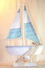 Bateau de décoration en bois et tissu
