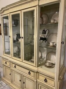 Hutch - china cabinet antique in excellent condition