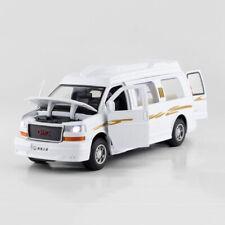 GMC Savana Passenger Van 1:32 Scale Model Car Diecast Toy Vehicle White Gift Kid