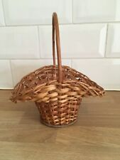 Vintage Wicker Traditional Basket with handle - empty - VGC - Small