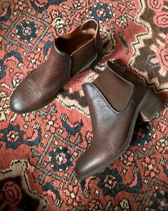 WITTNER 'Elly W' brown pebbled leather block heel ankle boots sz 41   ex cond