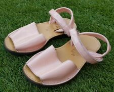 Leather Beautiful Girls Sandals. Size EUR 29. Occasions: Weddings, Birthdays