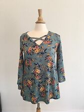 Women's Boutique Floral top Small  Sage Turquoise