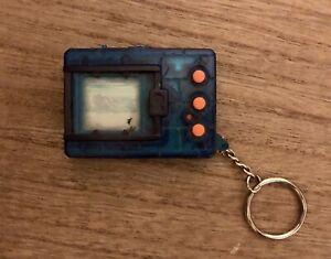 Digimon Version 4 Virtual Pet Original 1997 Digivice Bandai