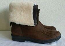 New Ugg aquette waterproof snow boots. sz7.RT$199