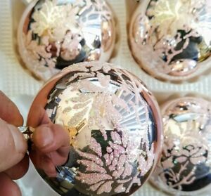 4 Glass Christmas baubles made in Europe top quality