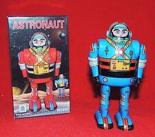 Robot en métal. ASTRONAUT bleu. Hauteur 11 cm. Origine Chine réf. MS 650