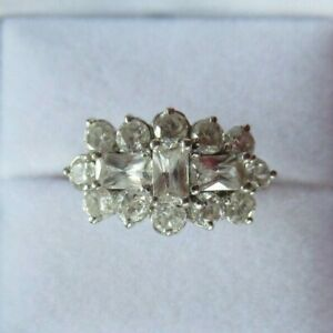 Beautiful 9ct White Gold Emerald Cut and Round Clear Stone Dress Cluster Ring L