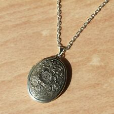 Flower Pattern Carved Locket Necklace Silver Plated Chain Pendant Boho Jewellery