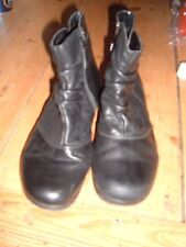 EARTH SPIRIT SHORT BLACK LEATHER BOOTS sz: 40  /  6.5 - 7