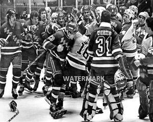 NHL 1981 Brawl New York Rangers and L. A . Kings Black & White 8 X 10 Photo Pic
