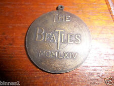THE BEATLES ORIGINAL GENUINE MEDAL RECORD CHARM / PENDANT FAB 4 FIRST USA VISIT