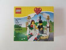 NEW Lego 40197 Wedding Favor Set 2018 - Bride & Groom - 132 Pieces Cake Topper