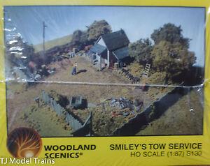 Woodland Scenics HO #130  -  Smiley's Tow Service (Kit form)