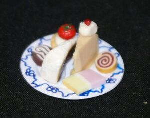 Cake Plate 1:12 Scale Dollhouse Miniatures Dessert Kitchen Party