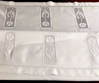 "Vintage Hand Crochet White Cotton "" TULIPS "" Tablecloth 40x48"""