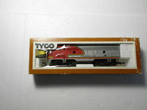 Vintage HO Scale Tyco Mantua SF Santa Fe 4015 F7 Powered Diesel Locomotive