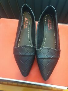 Flat  Black Shoes Size 6